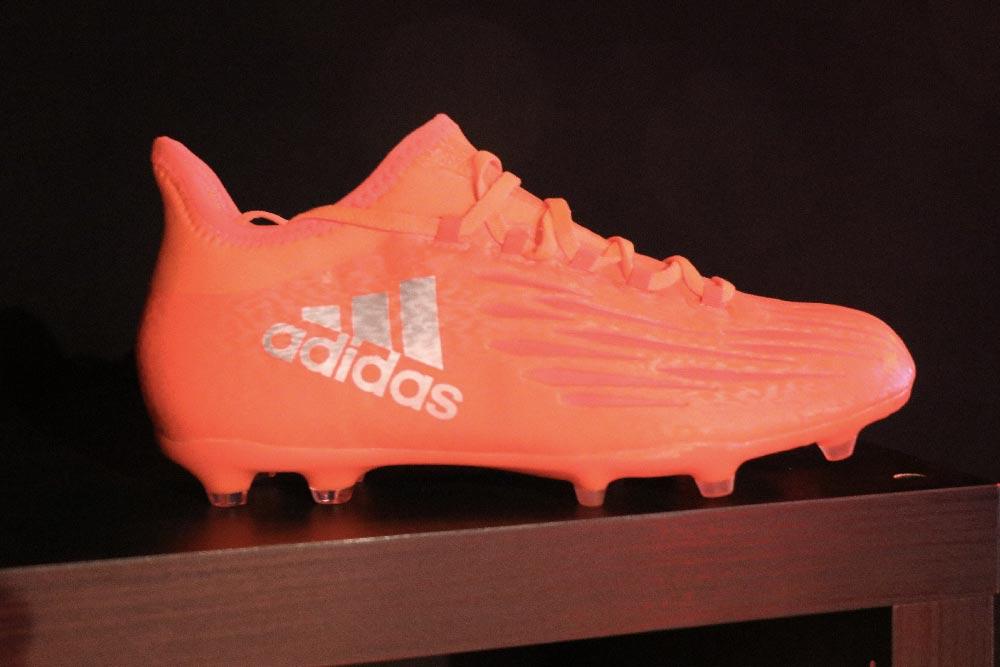 chaussure de foot adidas X16 Suarez