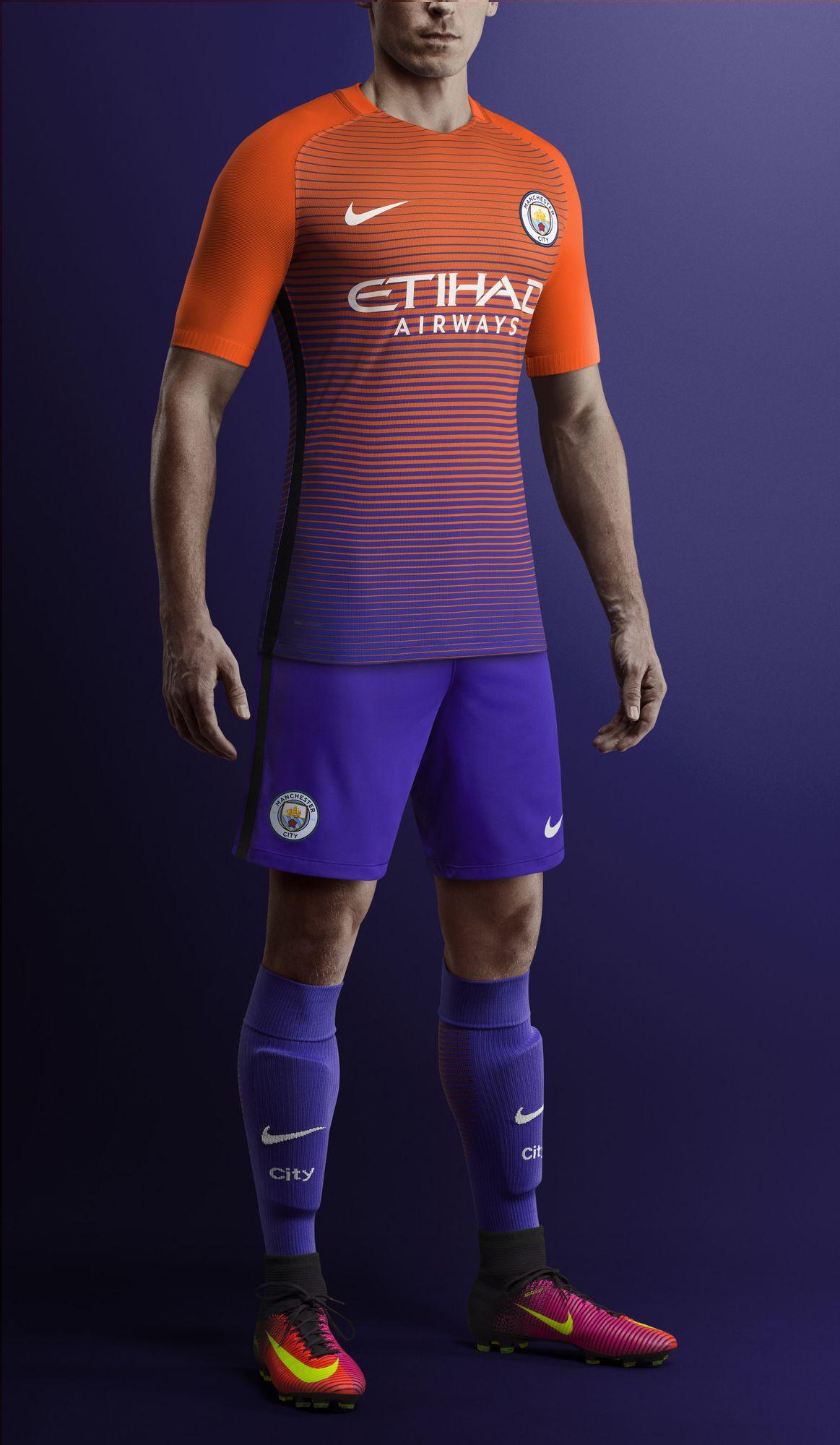 Troisième tenue du club Manchester City Saison 2016-2017