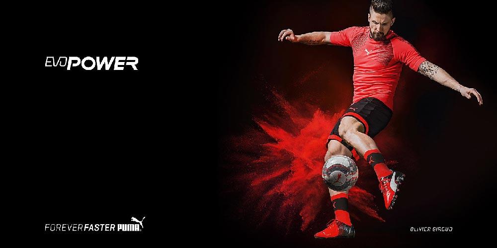 Chaussure de foot Puma Evaporer portée par Olivier Giroud