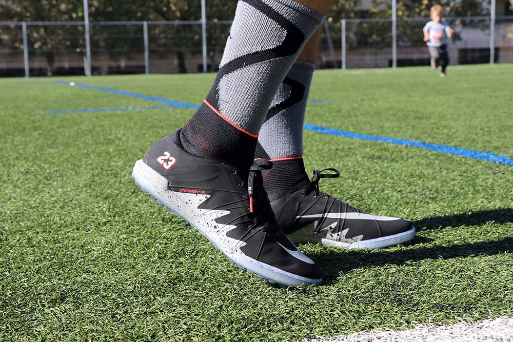 testing chaussure nike hyper venom neymar x jordan 820134-006