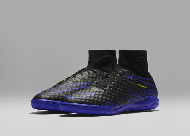 nike_football_dark_lightning_hypervenom_proximo_ic_06_07_63823