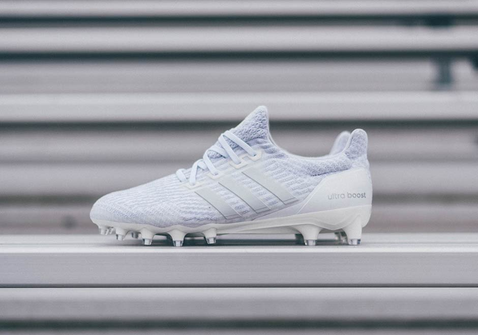 crampons adidas ultra boost cleats triple white