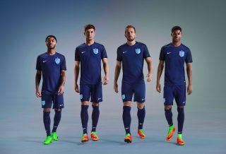 Nike présente un nouveau maillot extérieur pour l'Angleterre