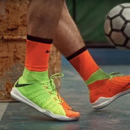 Videos-Street-Soccer-Nike-HypervenomX