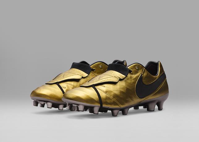 Nike Tiempo Legend VI Totti x Roma 2017