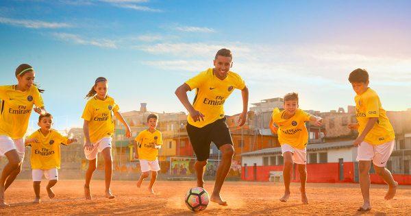 Maillot-jaune-PSG-2018