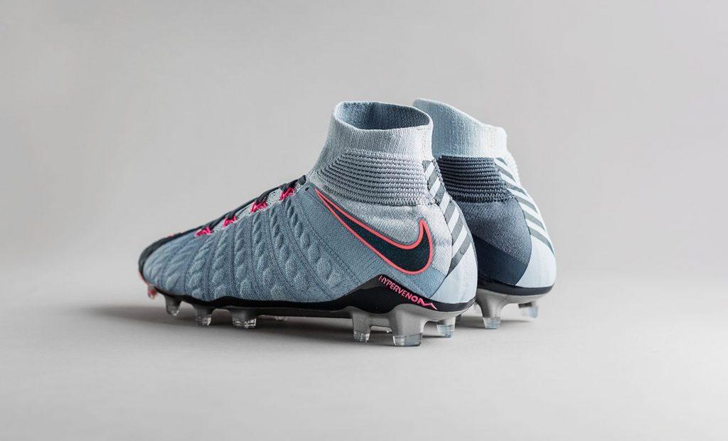 Nike Hypervenom Rising Fast