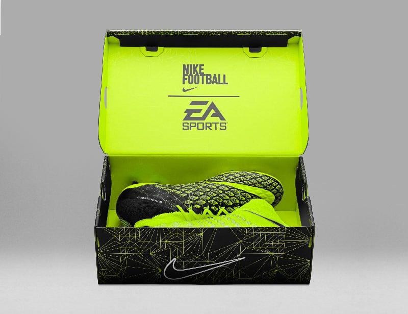 Box Nike Hypervenom 3 EA Sports