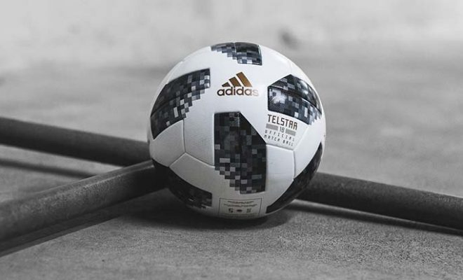 Ballon adidas TELSTAR18 - Coupe du Monde FIFA18