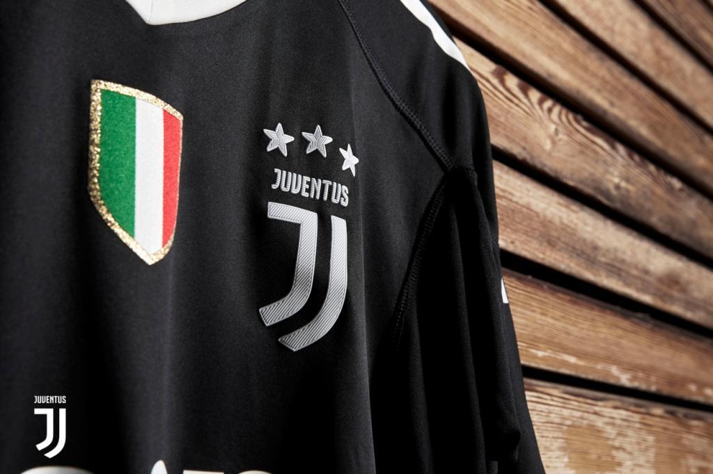 Maillot Buffon Collector Juventus Black