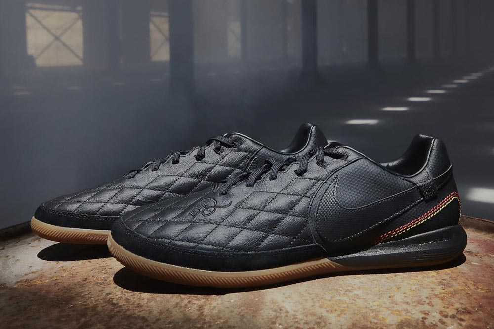 Nike City Collection 10R Ronaldinho - Paris Edition