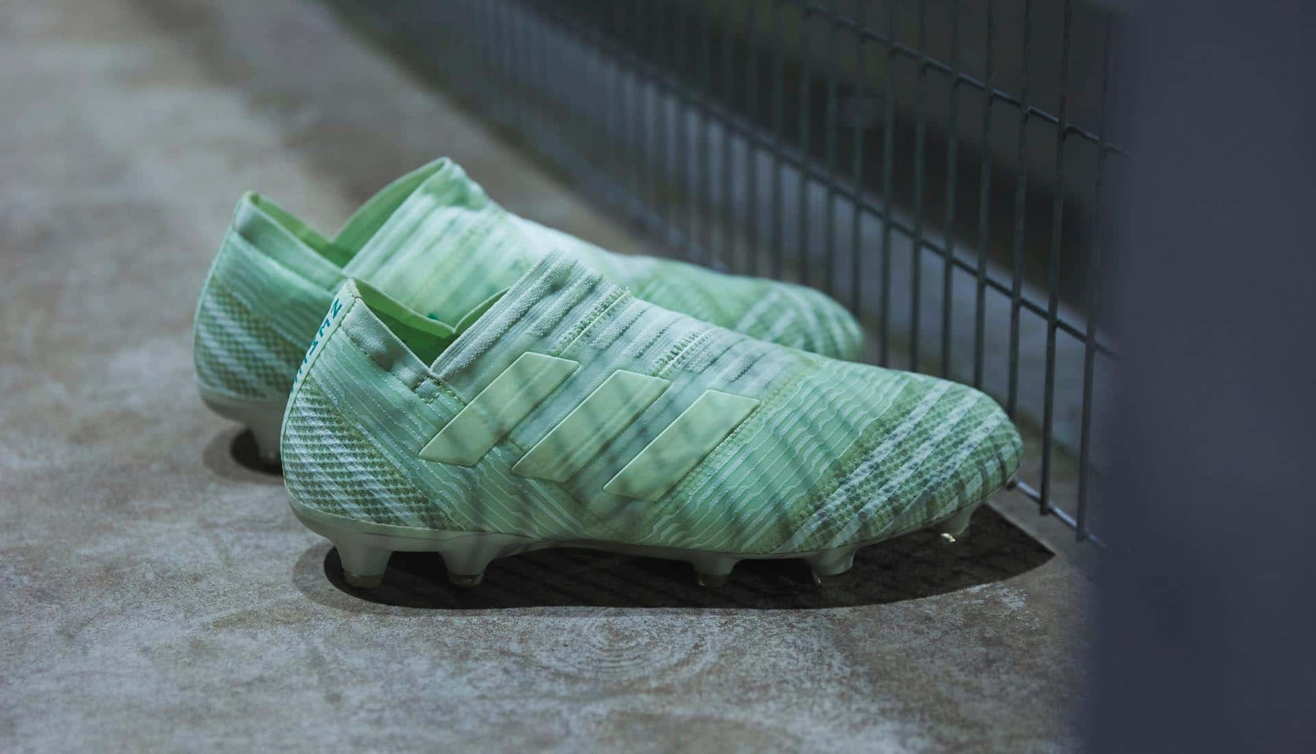 La chaussure de foot adidas NEMEZIZ 17+ 360