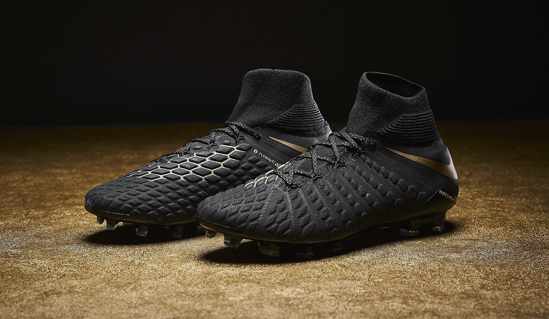 6f9ded48d5f Nike dévoile les Hypervenom III « Game of Gold ».
