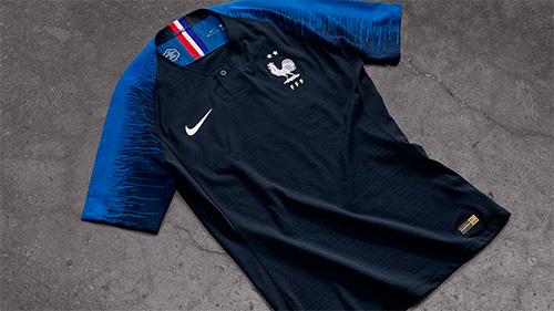 more photos authentic good texture Le maillot de la France avec 2 étoiles déjà en vente | Foot ...