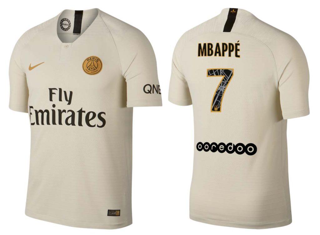 Le nouveau maillot extérieur de PSG et le flocage Mbappé avec le numéro 7