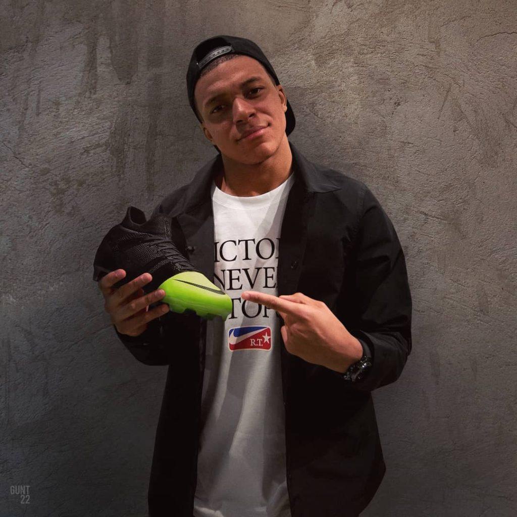 Nike Mercurial GS360 2018 Volt Black présenté par Kylian Mbappé