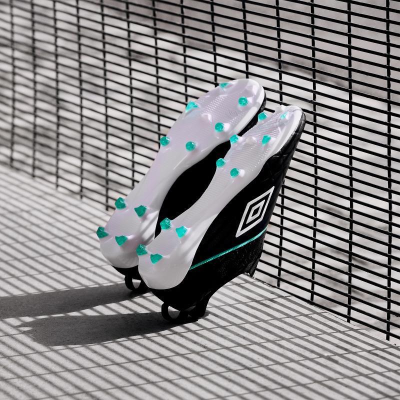 Chaussure de foot umbro medusae 3 elite