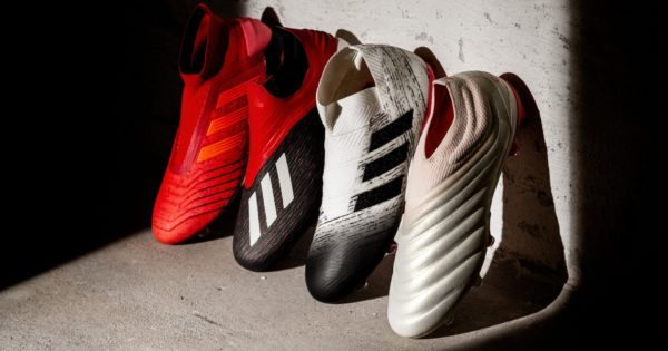 Chaussures de football adidas Intiator Pack