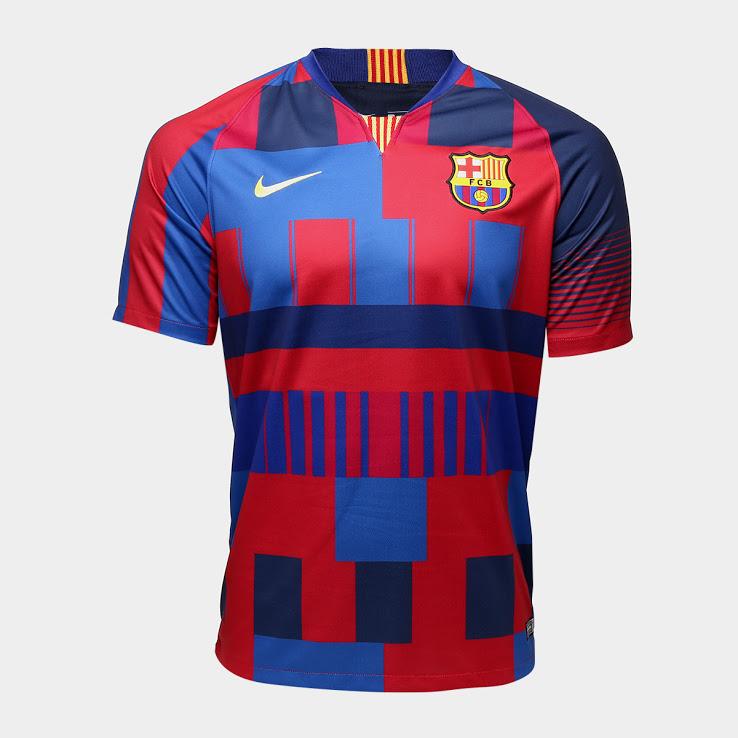 Le FC Barcelone dévoile un maillot collector pour les 20 ans de partenariat avec Nike