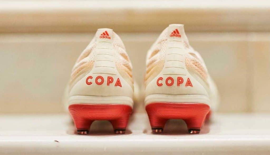 nouvelle chaussure de foot adidas COPA 19+