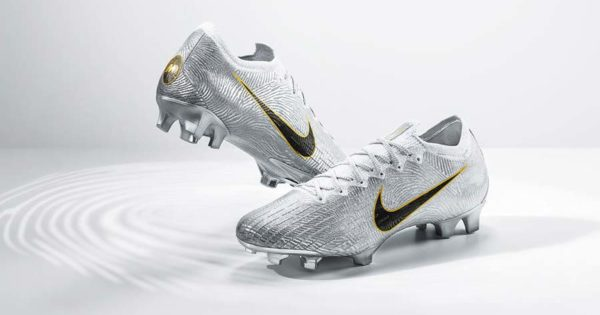 Nike-Mercurial-360-Golden-Touch