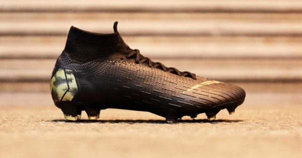 chaussure de football Nike Mercurial Superfly Black Lux