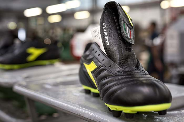 Chaussures de football diadora made in italy