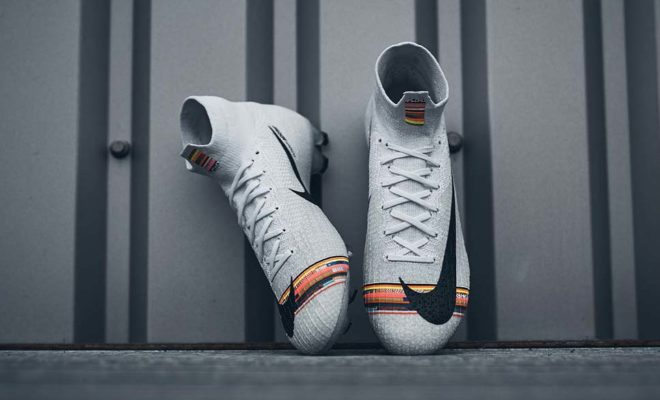 chaussure-de-foot-Nike-Mercurial-Superfly-LVL-UP