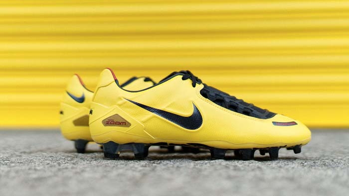 Chaussure-foot-Nike-Total-90-Laser-2019