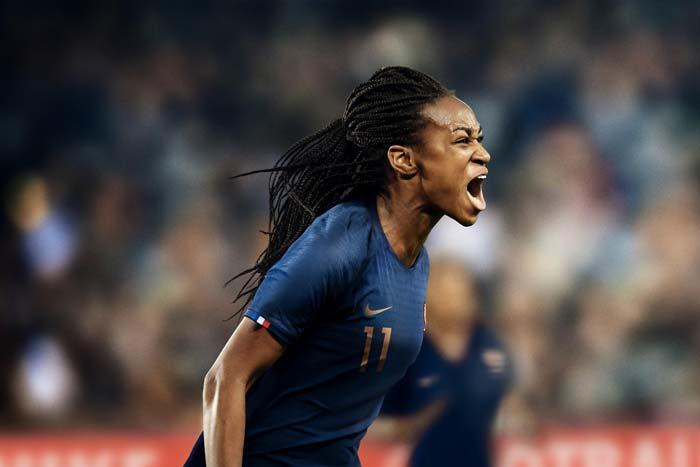 Le maillot domicile de l'équipe de France féminine 2019