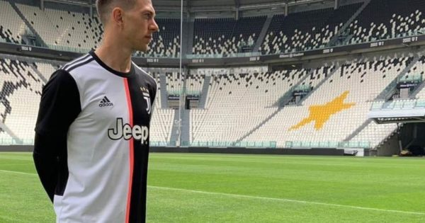 Juventus-Turin-maillot-domicile-2020