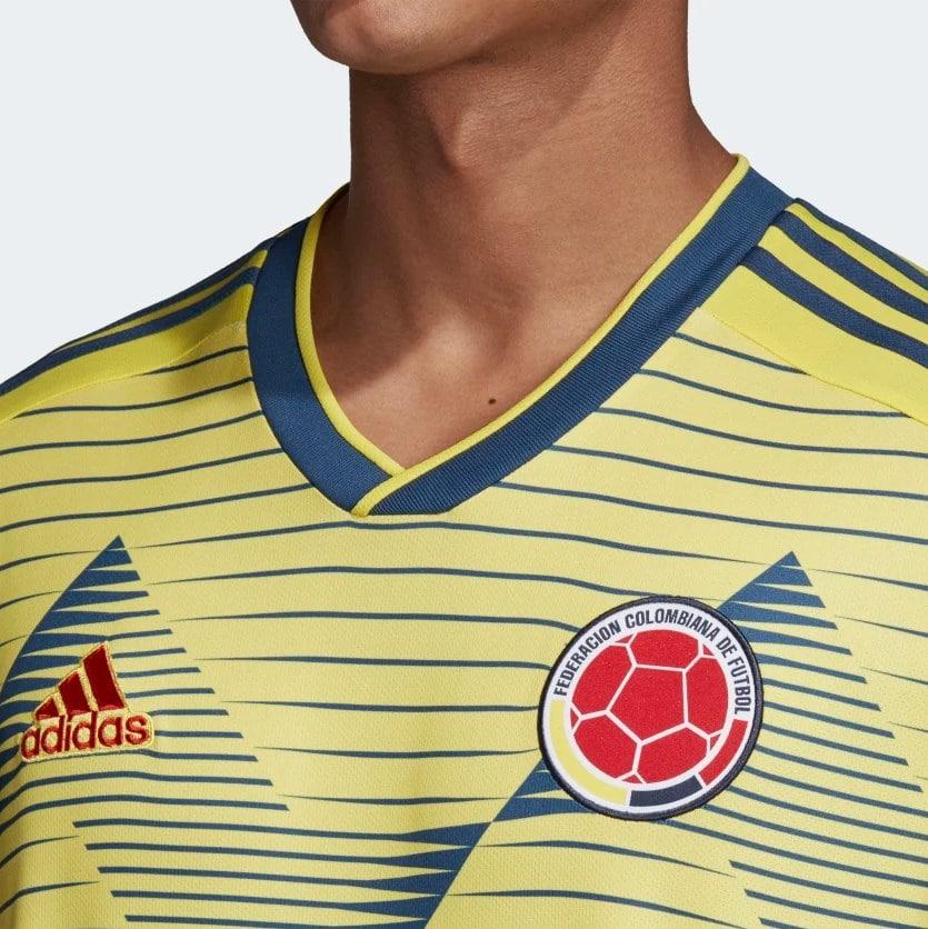 détails maillot colombie 2019