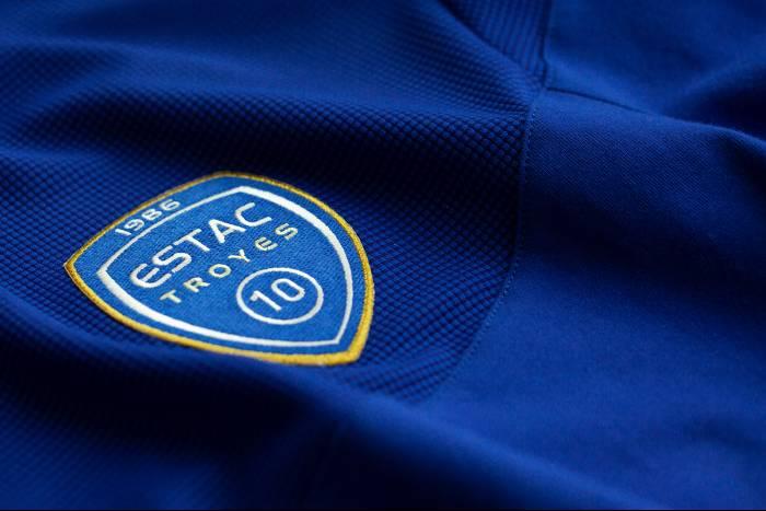 maillot foot ESTAC 2019-2020 Le Coq Sportif-01 (1)