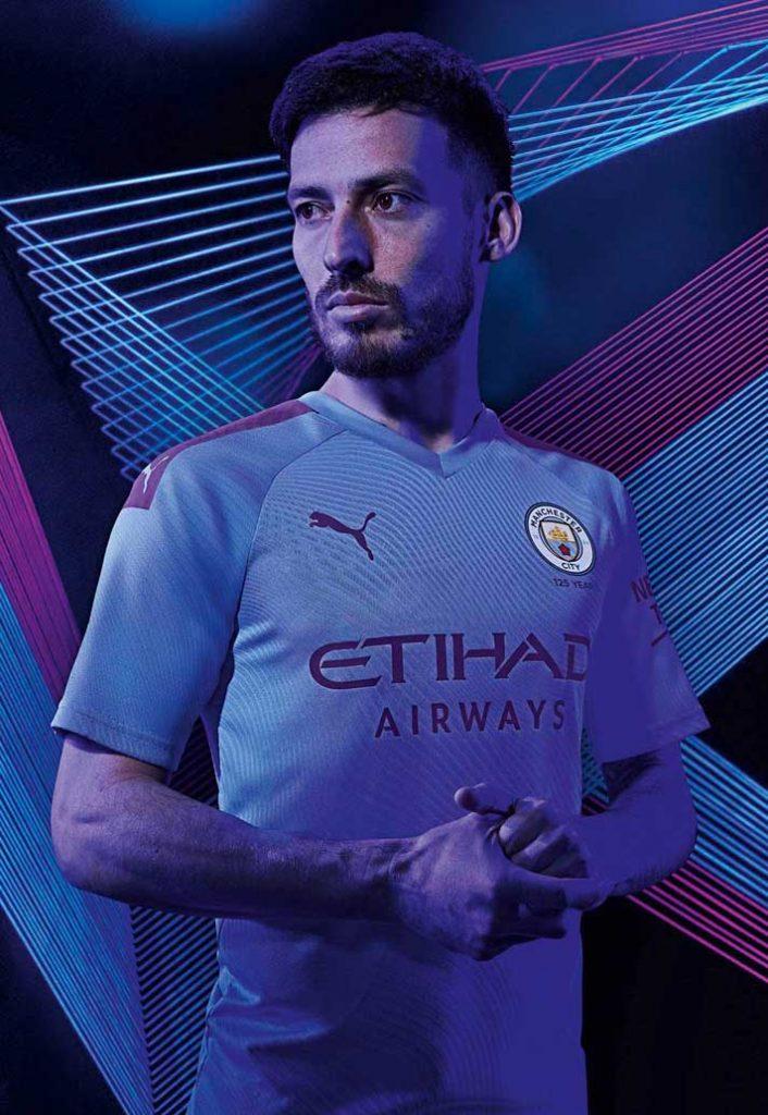 Manchester City : le maillot domicile saison 2019-2020