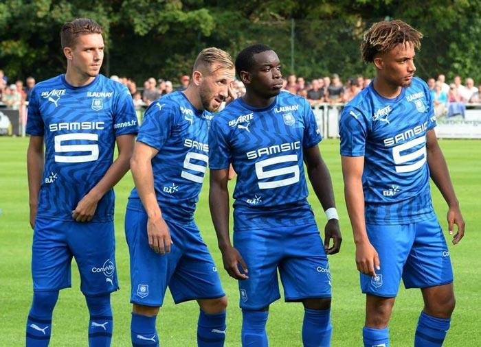 Stade Rennais FC : le nouveau maillot extérieur bleu 2019-2020 dévoilé par PUMA