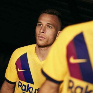 FC Barcelone le maillot extérieur 2019-2020 est jaune