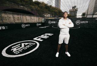 FIFA 20 : Anthony Joshua conçoit un terrain de foot à cinq pour célébrer le nouveau mode street football Volta