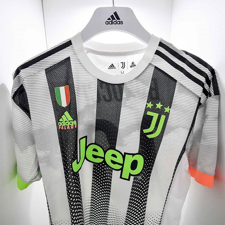 quatrième maillot Juventus de Turin X Palace Skateboard