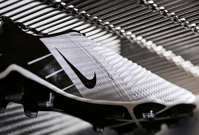 Chaussure de foot Nike PhantomVNM Future DNA T90