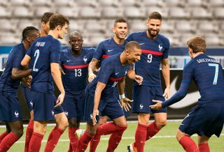 Les nouveaux maillots de l'équipe de France 2020-2022