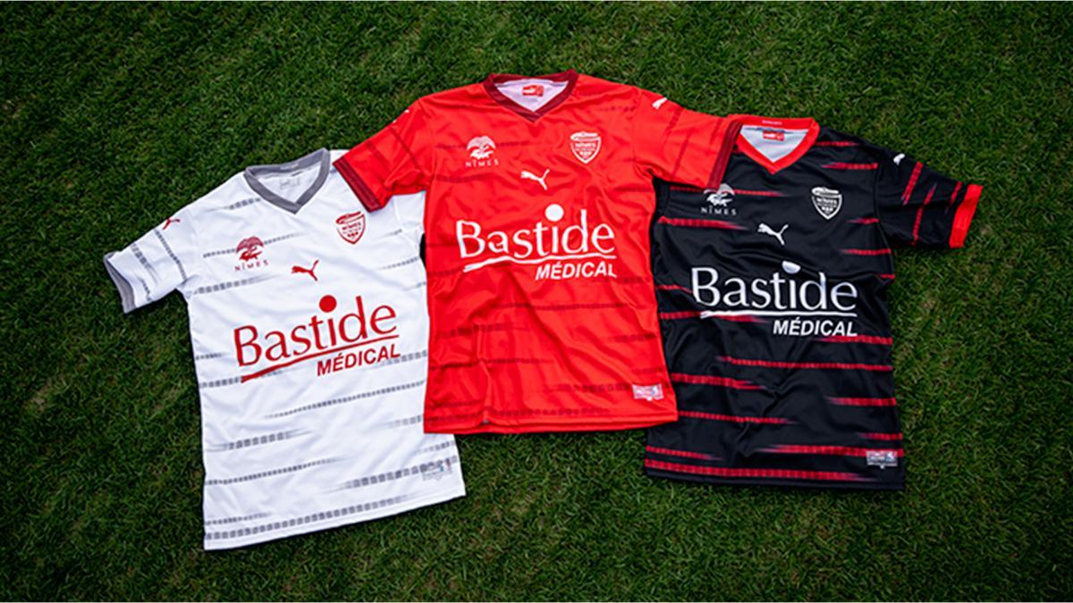 Les nouveaux maillots du Nîmes Olympique symbolisent l'ancrage territorial qui est cher au club